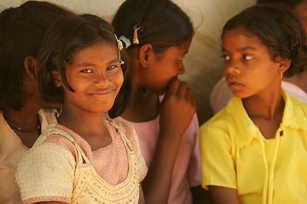 underprivileged girls in India getting an education thanks to the girl effect sean kline